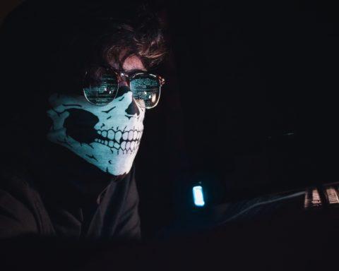 grey hat hacker